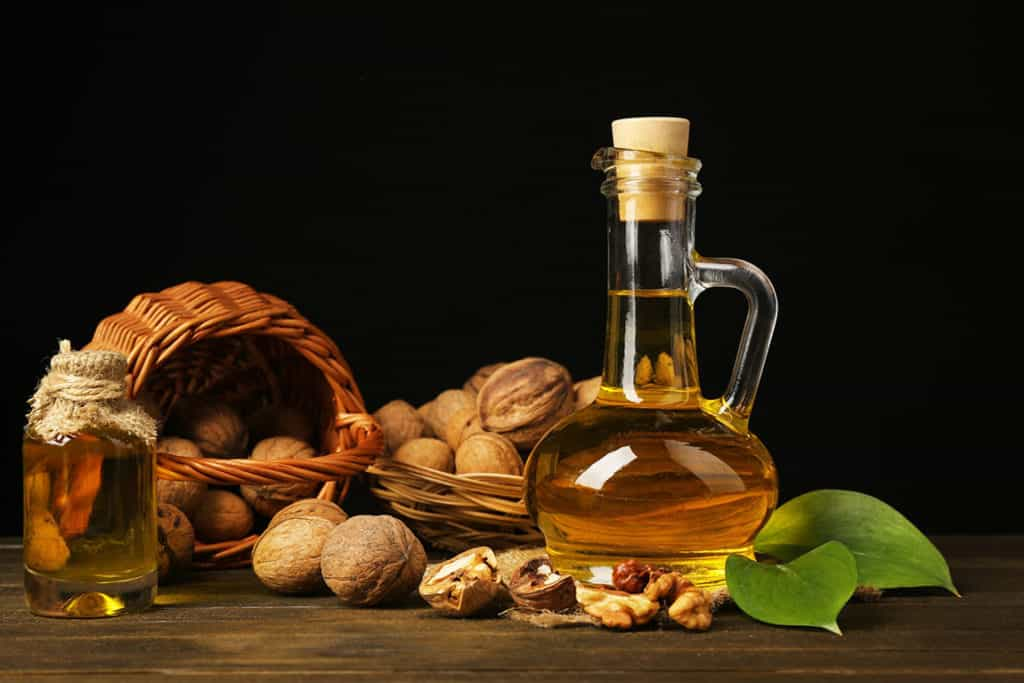 Almond oil banner
